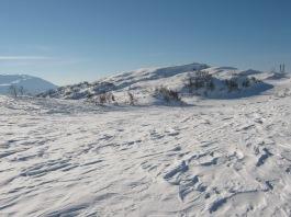 Vinter-Leikanger-070 Kallbakk mot Dalseteskard og Smørklett